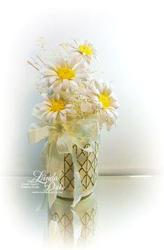 9-21-14 wwm Uses Spellbinder dies to make the daisies!