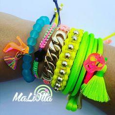 El color a la tarde se lo pones TÚ  Ponle mil colores y sonríe agradeciendo por cada una de las bendiciones que Dios envía a tus días   Escríbenos para solicitar información a: MALIOTTADISENOS@GMAIL.COM  Síguenos en nuestras redes sociales: Twiteer: @maliottadisenos Facebook Fan Page  Maliotta Diseños  Instagram: @maliottadisenos  #accesorios #accessory #instajewelry #pulseras #maliottadisenos #maliotta #Vzla #Venezuela #HechoEnVenezuela #hechoenvzla #fashion #trendy #diseño #modavenezuela…
