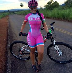 MTB Girl See other ideas and pictures from the category menu…. Women's Cycling, Cycling Girls, Cycling Outfit, Road Bike Women, Bicycle Women, Bicycle Girl, Cycle Chic, Cycling Sunglasses, Bike Style