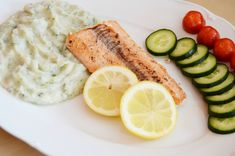 Čo jesť po tréningu? Zdravé večere na každý deň v týždni - Fitshaker Omega 3, Quinoa, Pickles, Cucumber, Zucchini, Healthy Recipes, Healthy Food, Food And Drink, Low Carb