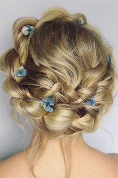 Prom hair styles are semi-formal to formal hairstyles that are appropriate for t…, - Box Braids Hairstyles Box Braids Hairstyles, Prom Hairstyles For Long Hair, Prom Hair Updo, Formal Hairstyles, Hairstyles 2016, Funky Hairstyles, Popular Hairstyles, Wedding Hairstyles, Medium Hair Styles