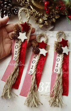56 Best Christmas Crafts for Kids - Christmas Decorations decorations christmas Noel Christmas, Homemade Christmas, Rustic Christmas, Christmas Wishes, Diy Christmas Ornaments, Christmas Projects, Holiday Crafts, Christmas Ideas, Holidays