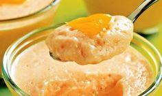 Tem dias que bate uma vontade de comer uma sobremesa gostosa, não é? Pensando nisso, eu trouxe pra vocês uma receita de mousse de caqui com suco de laranja. Uma delícia e superleve! Vem ver!