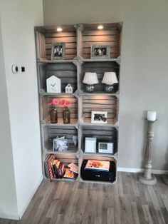 12 DIY craft ideas, what you can do with old wooden boxes! DIY craft ideas is part of Home diy - 12 DIY craft ideas, what you can do with old wooden boxes! Cheap Home Decor, Diy Home Decor, Room Decor, Wall Decor, Old Wooden Boxes, Sweet Home, Diy Casa, Diy Holz, Wood Crates