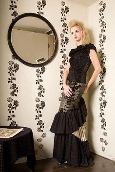 Wall treatment and clothing by Fashion Designer Angela Johnson ...