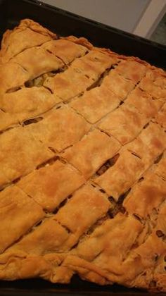 Pizza Tarts, Pita, Greek Recipes, Biscotti, Food And Drink, Greece Pictures, Cooking, Desserts, Cakes