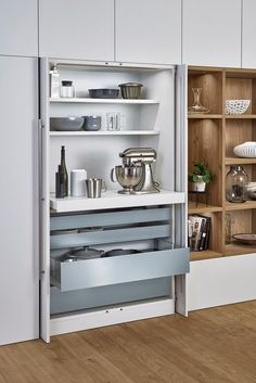 Bondi Xylo Kitchen by German Kitchen Center. Our expert kitchen designers will bring your dream kitchen to reality, with stunning results. Pantry Design, Kitchen Cabinet Design, Kitchen Cupboards, Kitchen Pantry, New Kitchen, Kitchen Storage, Kitchen Appliances, Cheap Kitchen, Updated Kitchen