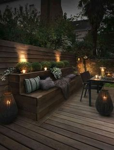 Outdoor lighting ideas for backyard, patios, garage. Diy outdoor lighting for front of house, backyard garden lighting for a party Backyard Seating, Backyard Patio, Backyard Landscaping, Backyard Ideas, Landscaping Ideas, Patio Ideas, Porch Ideas, Built In Garden Seating, Deck Bench Seating