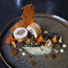 Discover recipes, home ideas, style inspiration and other ideas to try. Gourmet Food Plating, Food Plating Techniques, Chicken Plating, Modern Food, Gourmet Recipes, Gourmet Desserts, Plated Desserts, Food Decoration, Molecular Gastronomy