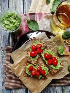 Artichoke spinach pesto