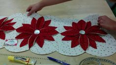 How to Make A Poinsettia Table Runner Christmas Sewing, Christmas Crafts, Christmas Decorations, Christmas Ornaments, Origami Candle Mat, Window Table, Cathedral Windows, Christmas Runner, Little Presents
