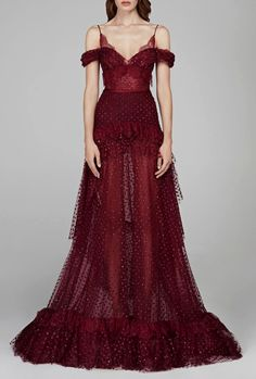 """chandelyer: """"Hamda Al Fahim fall 2018 couture """" chume'da showing up to bed like… Stunning Dresses, Beautiful Gowns, Pretty Dresses, Beautiful Outfits, Evening Dresses, Prom Dresses, Couture Fashion, Haute Couture Dresses, Fantasy Gowns"""