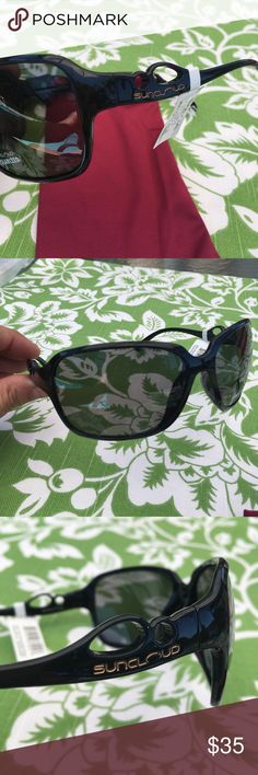 Suncloud Illusive polar sunglasses black grey NWT Suncloud Illusive polar sunglasses black grey NWT optical quality at great price great for summer fun in the water Suncloud Accessories Sunglasses
