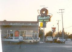 Winchell's Donut House Hacienda Gardens San Jose circa 1988, via Flickr.