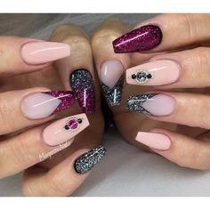 "Burgundy magenta pink black silver glitter gradient. ✨✨#gelnails #nails #coffinnails #nailart #nailfashion #naildesign #MargaritasNailz #allprettynails #dopenails #nailsonfleek #nailswag #fashion…"""