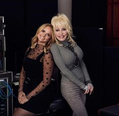"Miranda Lambert and Dolly Parton, photographed while recording ""Dumb Blonde"" for the ""Dumplin'"" soundtrack, in Nashville. Country Female Singers, Country Music Artists, Country Music Stars, Country Musicians, Hottest Female Celebrities, Celebs, Miranda Lambert Photos, Dolly Parton Pictures, Star Wars"