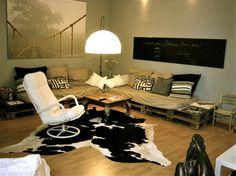 http://www.solebich.de/wohnen/article/gestapelt-gehämmert-geklebt-möbel-aus-euro-paletten/377580