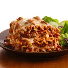 Slow Cooker Lasagna, make this all the time, delish!!