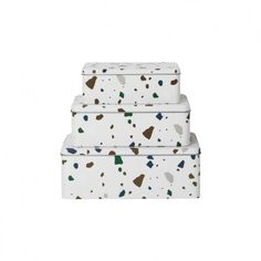 Tin box Terrace by Ferm Living. The Terrazzo di ferm living tin box is the ideal aid to keep small and large objects in order: from pens to toys, Terrazzo, Childrens Bedroom Accessories, Muuto, Danish Design Store, Small Tins, Zinn, Work Tools, Toy Storage