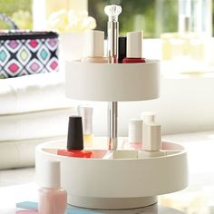 Nail Polish, Polished: Organizing Your Finger Paints // Live Simply by Annie Cool Gifts For Teens, Tween Gifts, Nail Organization, Organization Ideas, Nail Polish Storage, Seasonal Nails, Make Up Storage, Salon Design, Cosmetic Storage