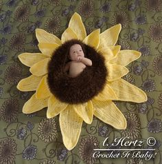 Crochet Sunflower Baby Bowl Cocoon Photography by CrochetItBaby, $6.00 Diy Baby Gifts, Baby Girl Gifts, Crochet Cocoon, Kids Crochet, Crochet Gifts, Crochet Photo Props, Crochet Sunflower, Sunflower Pattern, Baby Cocoon