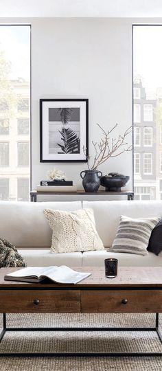 Fall Living Room Ideas #scandinavian #scandinavianfall Rustic Fall Decor, Fall Home Decor, Autumn Home, Log Home Living, Fall Living Room, Rustic Lighting, Rustic Furniture, Home Interior Design, Scandinavian