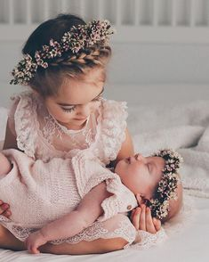big sis little sis photos - September 07 2019 at Sister Photography, Newborn Baby Photography, Newborn Shoot, Baby Girl Newborn, Baby Baby, Newborn Pictures, Baby Pictures, Foto 3d, Sister Pictures