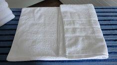 Sou apaixonada por roupa de cama e banho. Quando tenho que organizar um roupeiro, dou pulos de alegria, amo o perfume das roupas e o toque fofinho das toalhas. Roupa de cama organizada é lindo de se ver! Aqui em casa elas ficam guardadas no …