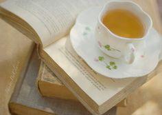 I hope I can read-leisure book-drink-tea session again soon!