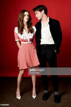 Actors Natalia Dyer and Charlie Heaton are photographed at Netflix's. Nancy Stranger Things, Stranger Things Actors, Stranger Things Netflix, Stranger Things Season, Charlie Heaton, Natalie Dyer, Millie Bobby Brown, Bobbie Brown, Celebs