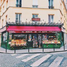 Au Marché de la butte ~ Amélie Poulain Paris