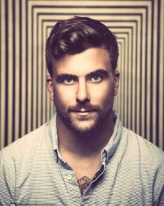 Finding The Best Short Haircuts For Men Best Short Haircuts, Haircuts For Men, Barber Haircuts, Moustaches, Popular Mens Hairstyles, Cool Hairstyles, Hairstyle Ideas, Anthony Green, Hair And Beard Styles