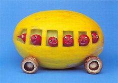 Awesome Fruit and Veggie Art. Veggie Art, Fruit And Vegetable Carving, Veggie Tales, Funny Fruit, Funny Food, Fruits Photos, Strange Fruit, Food Sculpture, Fruit Picture