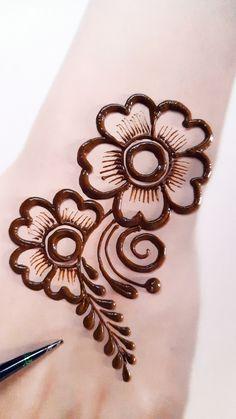Henna Designs For Kids, Circle Mehndi Designs, Very Simple Mehndi Designs, All Mehndi Design, Cute Henna Designs, Henna Flower Designs, Latest Henna Designs, Mehndi Designs Feet, Mehndi Designs Book