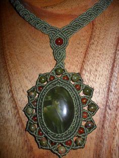 Collares cortos - Collar en Onix verde - hecho a mano por Uchuquta en DaWanda