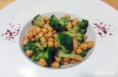 Garbanzos salteados al pimentón con brócoli