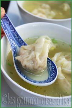 SOUPE WON TON Wonton Recipes, Soup Recipes, Wan Tan, Mauritian Food, Asian Kitchen, Asian Soup, Asian Recipes, Ethnic Recipes, Detox Soup