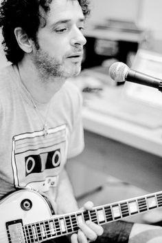"Feliz cumpleaños, mi amor.""Quiero que me trates, suavemente.."" Music Stuff, Music Songs, My Music, Soda Stereo, Pink Floyd More, Rock Argentino, Perfect Love, Classic Rock, Music Is Life"