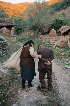 Familia campesina después de las guerras en la ex-Yugoslavia.