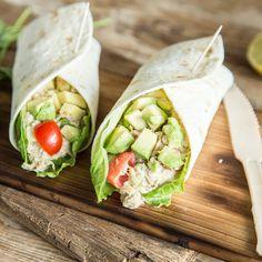 Diese bunten Wraps werden mit Frischkäse, Gemüse und Hähnchen gefüllt und sehen dabei nicht nur gut aus, sondern sind auch noch gesund und richtig lecker!