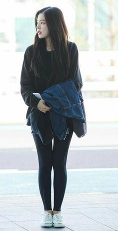 Airport Fashion Kpop, Kpop Fashion, Korean Fashion, Girl Fashion, Teen Fashion Outfits, Kpop Outfits, Casual Outfits, Korean Outfit Street Styles, Kpop Mode