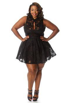 Plus Size Laced keyhole Flare Tulle Dress