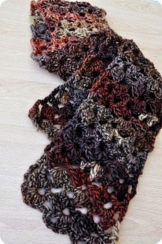 Isabelle Knits: Crochet Lacy Scarf Pattern - love the yarn Crochet Lacy Scarf, Crochet Gloves, Lace Scarf, Crochet Scarves, Crochet Yarn, Crochet Hooks, Free Crochet, Crochet Accessories, Crochet Crafts