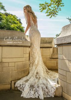 362eaa052d J Bridal Boutique is an Ultra Chic bridal shop in the foothills of Tucson,  Arizona offering women an unforgetable wedding dress shopping experience.