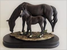 MARE AND FOAL FIGURINE  ~ NEW ~ BOXED