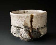 Chawan (tea bowls) are used in Japanese tea ceremonies -by akira satake Ceramic Clay, Ceramic Plates, Ceramic Pottery, Slab Pottery, Japanese Ceramics, Japanese Pottery, Earthenware, Stoneware, Cerámica Ideas