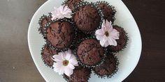 De her super dejlige chokolademuffins tager ingen tid at lave. Det er næsten hurtigere end et smut til bageren.