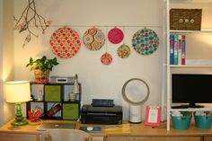 Lucy's Lampshade: Great Day! AMAZING dorm room DIY ideas! :)