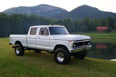 1975 Ford F250 - LMC Trucklife