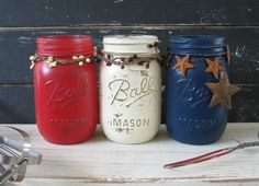 Celebrate Independence Day in style by doing a quick patriotic project or two. These DIY decorations are so easy that they can be done in four fast minutes. Patriotic Party, 4th Of July Party, Fourth Of July, Patriotic Crafts, Mason Jar Projects, Mason Jar Crafts, Mason Jars, Bottle Crafts, July Holidays